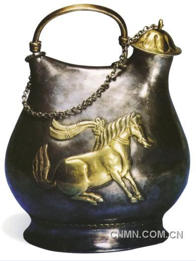 唐代金银器典范:舞马衔杯纹银壶