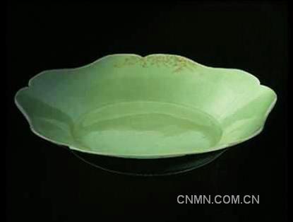 唐代越窑秘色瓷花口盘-陕西法门寺藏