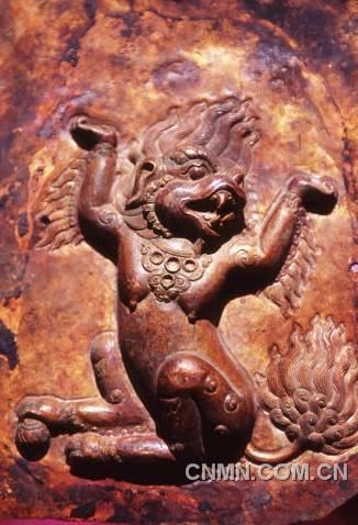 银器龙凤雕刻花纹