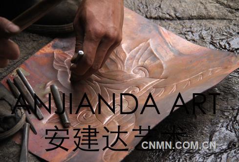 安建达锻铜浮雕艺术的制作过程