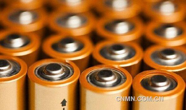 新型纳米锂电池可充电几十万次 容量无减少