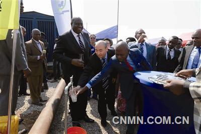 华刚矿业义务修缮供水系统造福刚果(金)3万居民
