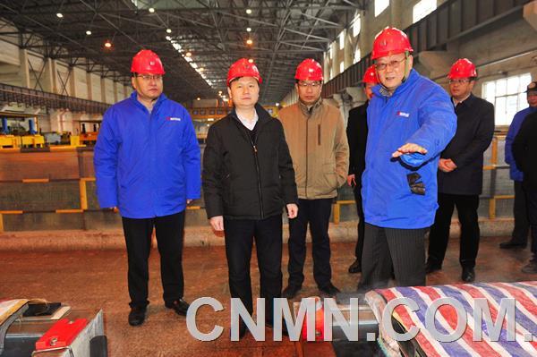济源市市长石迎军调研豫光集团时指出优化产业结构 引领行业发展
