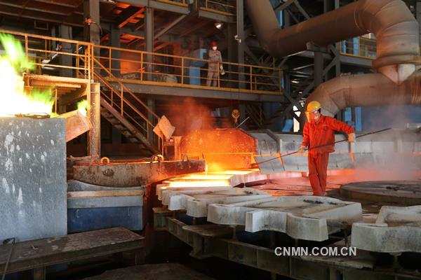 有色金属总量完成4.2万吨,同比提高1.41%;工业总产值完成14.27亿元,同比增长24.47%;4项定额指标同比有提升。在全面贯彻落实十九大精神的开局之年,葫芦岛有色金属集团有限公司干部员工士气高涨,勇战严寒,实现1月生产开门红。在企业连续4年盈利的基础上,为完成2018年全年目标任务创造了良好开端。