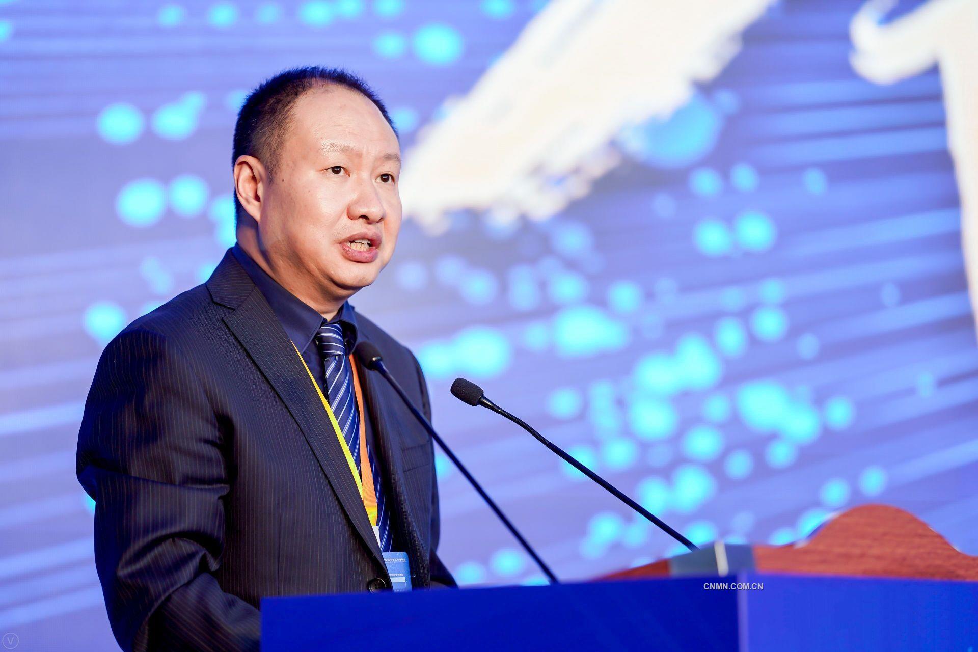 华泰期货副总裁 王强