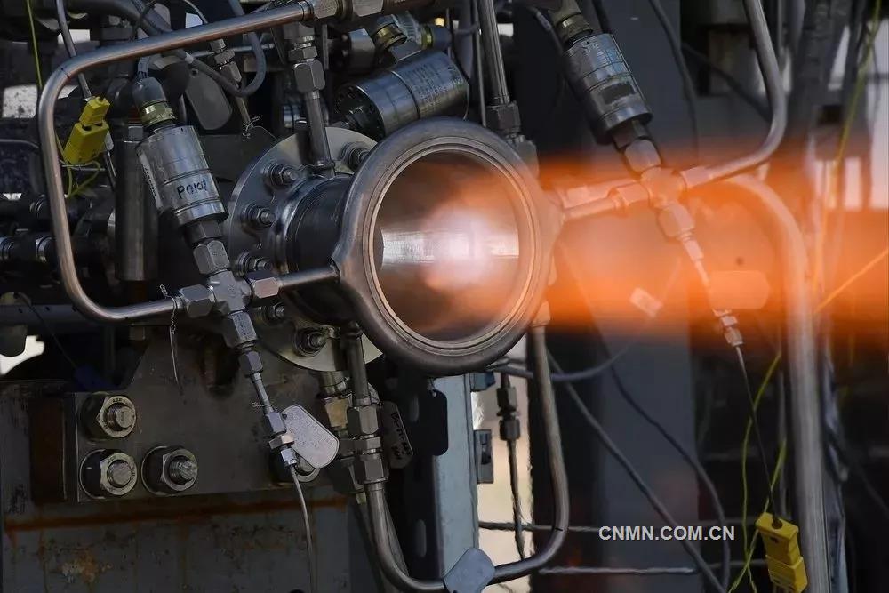 NASA(美国国家航空航天局)的研究人员开发了一种新的3D打印铜合金材料,并通过该材料和选区激光熔化3D打印设备制造了一种火箭推进部件。