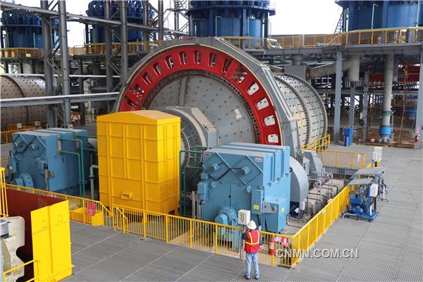 中国制造的大型球磨机,用于选矿作业。