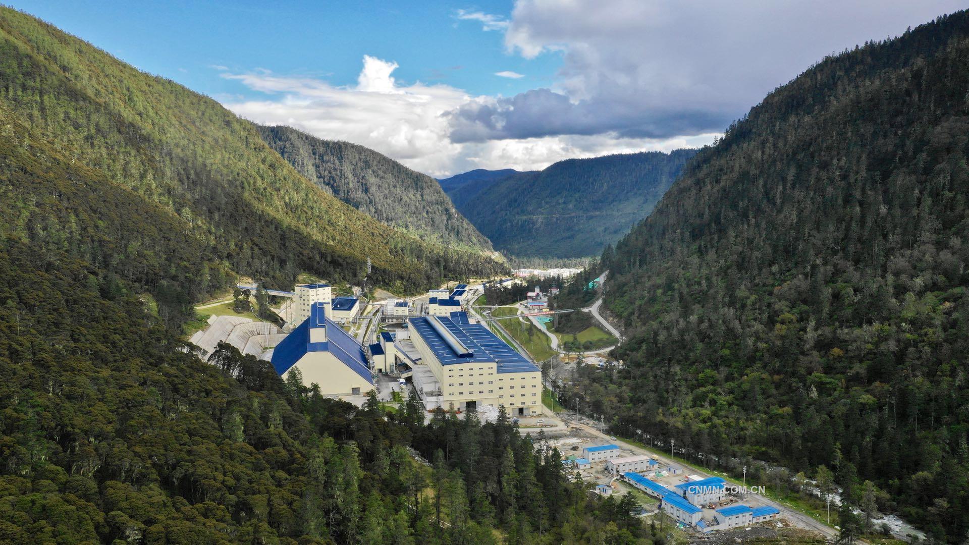 普朗铜矿一期采选工程通过竣工验收