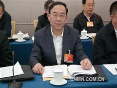 全国政协委员、 甘肃省国资委主任李沛兴参加经济界小组讨论会