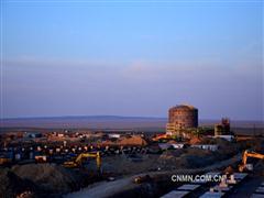 十五冶三公司哈铜阿克托盖项目原水罐安装完成