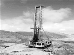 中钢衡重研发首台国产高原钻机